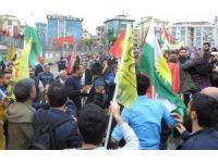 1 Mayıs alanında Kürtçe slogan gerginliği