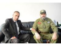 Obama Ve Fidel Castro'nun Benzerleri Azerbaycan'da Buluştu