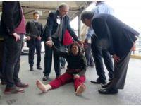 Yabancı uyruklu kadın havalanında sinir krizleri geçirdi