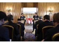 Japonya Başbakanı Abe, İngiliz Mevkidaşı Cameron'la Görüştü