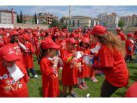 Burdur'da 7 Bin 871 Çocukla Diş Fırçalama Rekoru Kırıldı