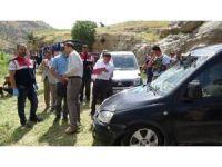 Otomobil Botan Çayı'na uçtu: 2 ölü