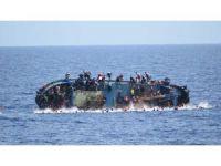 İtalya Açıklarında Göçmen Teknesi Battı, 562 Kişi Kurtarıldı