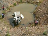Kütahya'da kamyonet devrildi: 2 ölü