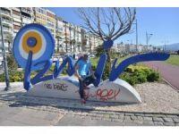 O SES Türkiye'nin Ünlü İsmi Ata Irmak İzmir'i Seçti