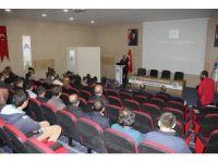 Ağrı'da 'Türkiye ve Dünyada Yükseköğretim ve İstihdam' konulu konferans verildi