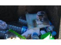 FETÖ elebaşının kitapları çöplerden çıkıyor