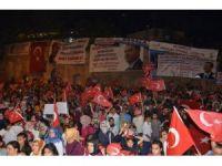 Mardin'de demokrasi nöbeti devam ediyor