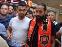 Erkan Zengin'e Eskişehirli taraftarlardan coşkulu karşılama