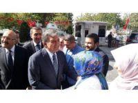 Abdullah Gül'den AK Parti'ye ziyaret