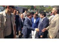 Ahmet Davutoğlu'dan AK Parti'ye ziyaret
