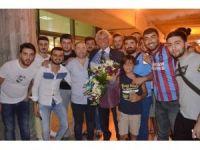 Trabzonspor taraftarı, Belçikalı efsane kaleci Jan Marie Pfaff'ı coşkuyla karşıladı