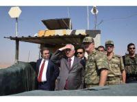 Suriye sınırına duvar örme çalışmaları devam ediyor