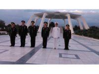 Genelkurmay Başkanı Orgeneral Akar, Devlet Mezarlığı'nı ziyaret etti