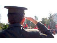 Komutan, 15 Temmuz şehitlerini anarken gözyaşlarını tutamadı