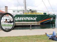 Greenpeace'in efsane gemisi Rainbow Warrior İstanbul'a demir attı