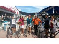 Ayvalıklı Kadınlardan şortlu bisiklet turu
