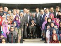 Kayyum atanan okula ismi verilen Muhammed Emin Saraç, öğrencilerle bir araya geldi