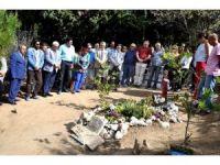 Tuncel Kurtiz ölümünün 3. yılında mezarı başında anıldı