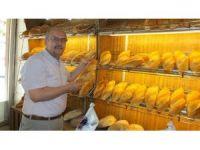 Askıda ekmek uygulaması ihtiyaç sahiplerinin yüzünü güldürüyor