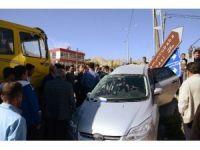 Darende'de kavşakta feci kaza: 4 yaralı
