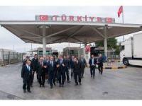 Edirne Valisi Özdemir, Kapıkule'de incelemelerde bulundu