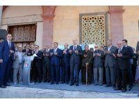 Kurtulmuş, Üniversite Camii'nde cuma namazı kılıp aşure dağıttı
