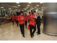 Trabzonspor, İstanbul'da yoğun ilgiyle karşılandı