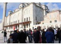 Tarihi Eminönü Balıkçısı'nın sahibi için Fatih Camii'nde cenaze töreni düzenlendi