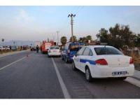 Balıkesir'de otomobil otobüse arkadan çarptı: 1 ölü, 1 yaralı