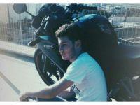 Otomobil motosiklete çarpıp kaçtı: 1 ölü, 1 yaralı