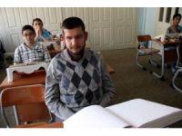 Görme engelli Taha, Kur'an-ı Kerim'i 8,5 ayda ezberledi