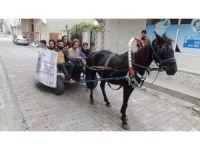 At arabasında İstanbul'a sanat yolculuğu