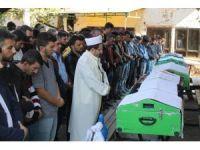 Feci kazada ölen 4 gencin cenazesi gözyaşları arasında defnedildi