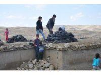 Muş'ta toprak evlerde kış hazırlığı