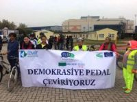 Pedallar demokrasi için çevrildi