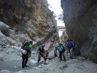 5 saat aranan 11 dağcı kanyondan kendi imkanlarıyla çıktı