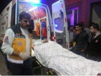 Otomobil, pancar yüklü römorka arkadan çarptı: 3 ağır yaralı