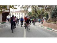 Turizm için pedal çevirdiler