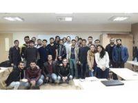 Eskişehir'deki Azerbaycanlı öğrencilere ''Liderlik ve Özgüven'' semineri