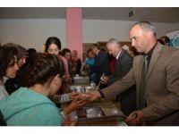 Aksaray Belediyesi'nden üniversite öğrencilerine aşure ikramı