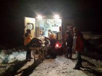 Kardan dolayı mahsur kalan hasta işçiler kurtarıldı