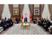 15 Temmuz Yardım Çeki Cumhurbaşkanı Erdoğan'a sunuldu
