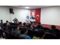 Rektör Elmas, KYK yurtlarında konferans verdi