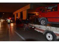 Yayaya çarpan otomobile arkadan gelen başka bir otomobil çarptı: 3 yaralı