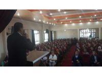 Kula'da 'Milli Gençlik Şuuru ve Motivasyon' semineri