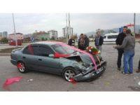 Gelin arabası otomobil ile çarpıştı: 6 yaralı
