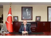 """Vali Demirtaş: """"Cumhuriyetimiz daima yücelecek, dünya durdukça var olacaktır"""""""