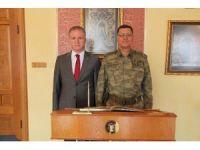 Korgeneral Yaşar'dan, Sivas Valisi Gül'e ziyaret