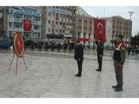 Cumhuriyetin 93. yıl dönümü etkinlikleri çelenk sunumuyla başladı